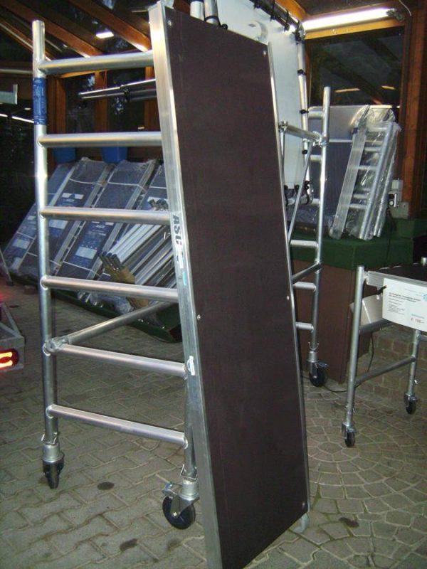 AC Steigtechnik Plattform 250 cm mit Luke