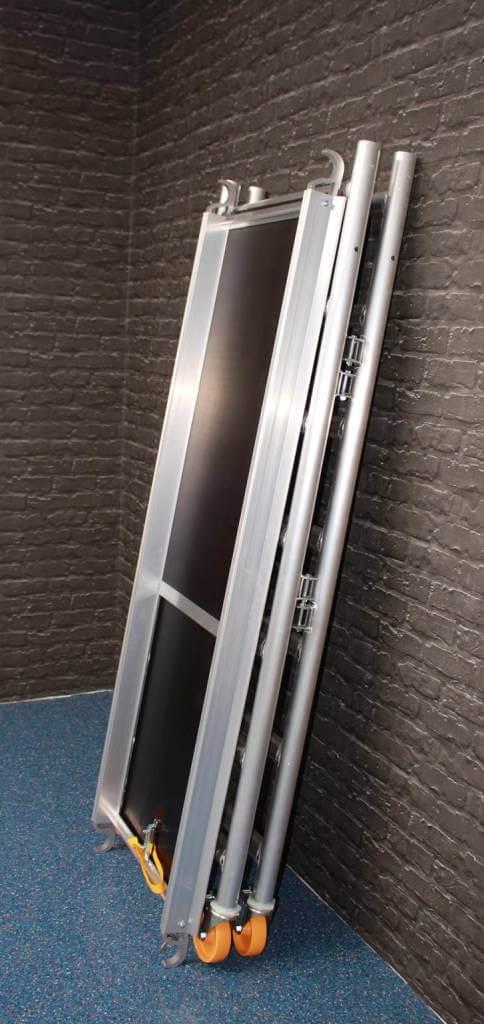 "CUSTERS Zimmerfahrgerüst ""Foldy"", Rollgerüst, Plattform mit Luke, TÜV/GS geprüft, 3,0 m – 7,30 Arbeitshöhe"
