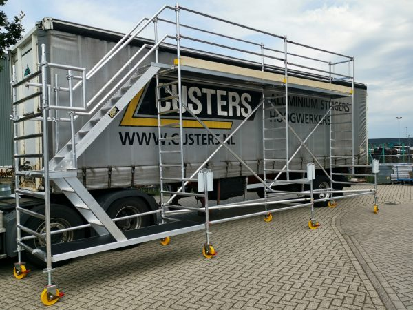 CUSTER LKW-Enteisungsgerüst – Plattformhöhe 3,20 Meter – 3,1 bis 31,0 Meter Länge – DIN EN 1004